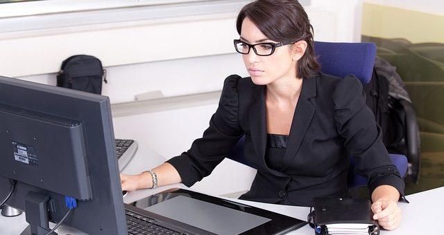 secretary-2199013_640-640x340
